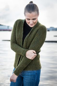 1523: Jakke i Mayflower Sky.[Strikkeopskrift, Garn, Pattern, Knitting, Sky-kollektion 2016]