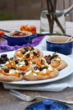Healthy holiday leftovers mini pizza recipe with mashed sweet potatoes, goat cheese, figs, fresh herbs, Project Lunch Box idea for kids & adult meals.