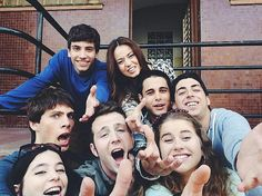 Netflix Series, Series Movies, Movies And Tv Shows, Tv Series, Movie Tv, Fangirl, In This Moment, Actors, Couple Photos