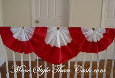 Canada Day party decorations and ideas blend red and white decorating colors into outdoor home decor, brightening up backyard designs on the of July Canada Day Party, Canada Day 150, Happy Canada Day, Canada Eh, Canada Day Fireworks, Canada Day Crafts, Cheap Home Decor Stores, Make Bunting, Canada Holiday