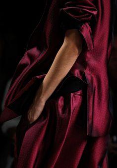 Haider Ackermann Spring 2012 Ready-to-Wear Fashion Show Marsala, Christian Dior, Winter Typ, Burgundy Wine, Plum Wine, Red Wine, Haider Ackermann, Fuchsia, Pink Purple