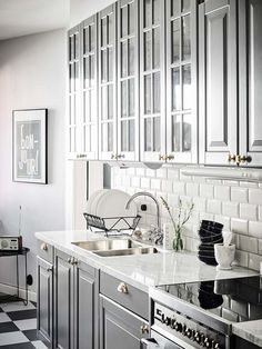 Galley Kitchen Remodel Ideas (Small Galley Kitchen Design, Makeovers, and Plans . Galley Kitchen Remodel Ideas (Small Galley Kitchen Design, Makeovers, and Plans with Pictures) Bodbyn Kitchen Grey, Ikea Galley Kitchen, Galley Kitchen Design, Small Galley Kitchens, Galley Kitchen Remodel, Eat In Kitchen, Country Kitchen, Bodbyn Grey, Kitchen Ideas
