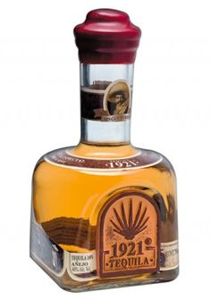 1921 Tequila Añejo is produced with 100% Blue Weber estate grown Agave, double distilled in stainless steel pot stills containing copper coils. It is aged for a minimum of 12 months in new American Oak Barrels bearing a medium char.