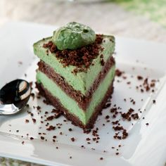Recipe for raw vegan gluten-free paleo unbaked mint avocado layered chocolate cake. Friday is here!! yay and we got some good news from our friend, her husband's left eye opened a little and he responded to some commands yesterday with moving his fingers. He still has a long road ahead, but it is progress. Thank you again for your prayers. Now time to celebrate with cake.Read More »
