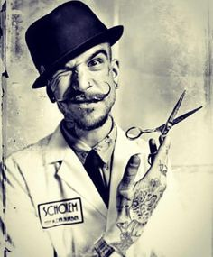 Tattoo Tuesday: Bobbie Bones. Barber and Teacher at The Old School Barber Academy, Schorem Haarsnijder En Barbier.