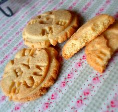 Vanilla Biscuits (cookies) (egg free) from The English Kitchen