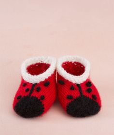 Red Heart Free Pattern: Sweet Lady Bug Booties - Keep a little one's feet cozy in these ever-so-cute lady bug booties.