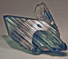 Ferberite with Quartz and Scheelite