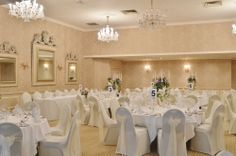 A whole of room shot of the vintage themed wedding we did in August 2013 at Rowton Hall, Chester.  www.blueleafeventhire.co.uk