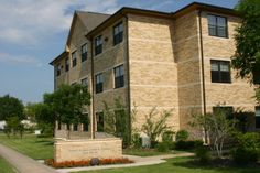 Austin College Campus - Robert M. and Joyce A. Johnson Roo Suites (2007)