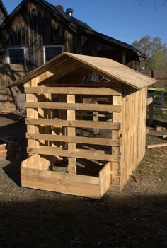 Chicken coop from pallets