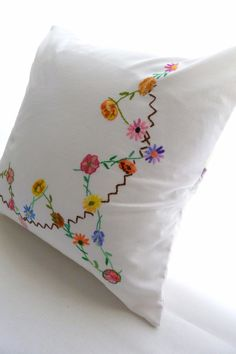 Pillow Cushion cover - embroidered vintage cotton