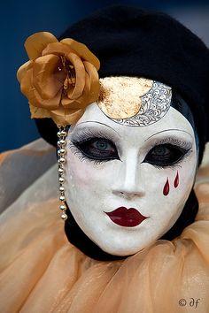 Teardrop Venetian Mask. #masks #venetianmask #masquerade http://www.pinterest.com/TheHitman14/art-venetian-masks-%2B/