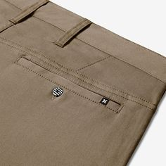 The Hurley Dri-FIT Worker Men's approx.) Trousers provide all-day comfort with sweat-wicking fabric in a classic silhouette. Denim Pants, Trousers, Jeans, Mode Masculine, Nike, Hurley, Menswear, Mens Fashion, Fitness
