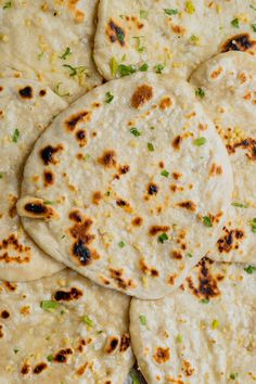 Recipes With Naan Bread, Flatbread Recipes, Sourdough Recipes, Sourdough Bread, Flatbread Toppings, Foccacia Recipe, Naan Recipe, Naan Flatbread, Bagel Pizza