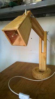 Segunda lámpara articulada, construcción idem a la primera...