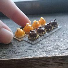 10月20日(木) ミニチュアのケーキです✨  #ミニチュア#ミニチュアフード#ミニチュアスイーツ#フェイクフード#フェイクスイーツ#ドールハウス#食品サンプル #スイーツ#ケーキ#マンゴー#チョコレート#マンゴーケーキ#チョコレートケーキ#ドームケーキ #樹脂粘土#ハンドメイド #miniature#handmade#fakesweets#instagramjapan#cake