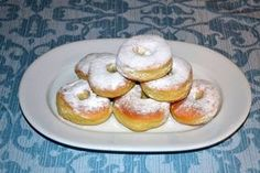 Gogosi pufoase coapte la cuptor Beignets, No Cook Desserts, Doughnuts, Baked Potato, Pancakes, French Toast, Cookies, Baking, Breakfast