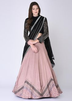 Go Traditional and make your look impressive by wearing Indian designer Lehenga - from top Indian designers in the United States of America. indiasPopup is USA's premier online shopping store for Indian designer lehenga. Half Saree Designs, Lehenga Designs, Blouse Designs, Lehnga Dress, Lehenga Blouse, Brocade Lehenga, Black Lehenga, Banarasi Lehenga, Anarkali
