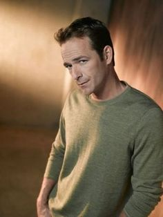 Luke Perry was born Coy Luther Perry ~ Marie Claire News Luke Perry, Jennie Garth, Celebrity Photography, Beverly Hills 90210, Rest In Peace, Beautiful Soul, Luther, Famous People, Actors