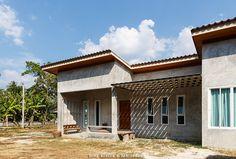 สร้างบ้านสไตล์ Loft ปูนขัดมัน ชั้นเดียว โมเดิร์น Loft House, Tiny House, Box Houses, Modern Loft, Loft Style, Home And Living, House Plans, Sweet Home, Farmhouse
