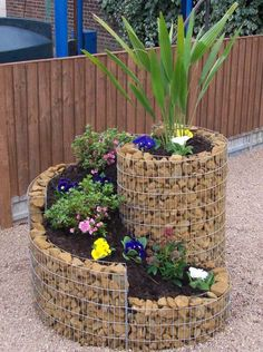 Vertical spiral planter.