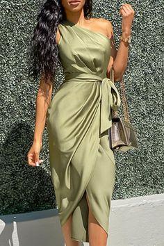 Mode Outfits, Dress Outfits, Fashion Dresses, Wrap Dress Outfit, Dress Vestidos, Satin Dresses, Ruched Dress, Strapless Dress, Dance Dresses