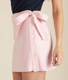 Pink seersucker high waisted button & bow skirt... ah, I am in love