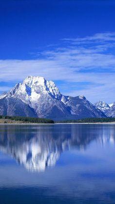 ✯ Mountain Lake - Quiet Reflection