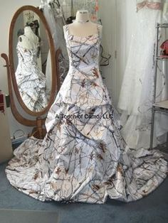 Full front view shown with optional 1 inch wide straps. Gown shown in snowfall but can be ordered in all other patterns. Pretty Wedding Dresses, Colored Wedding Dresses, Crafty Wedding Ideas, Camouflage Wedding Dresses, Camo Dress, Girls Dresses, Prom Dresses, Camo Outfits, Dream Wedding