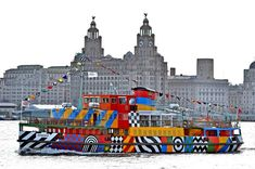 Razzle Dazzle Mersey Ferry unveiled by Sir Peter Blake - Liverpool Echo Liverpool Town, Liverpool History, Liverpool England, Peter Blake, Dazzle Camouflage, Art Public, Psy Art, It's Going Down, Razzle Dazzle