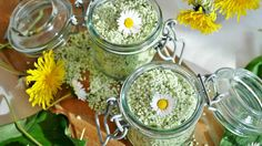 Curious about how to make DIY bath salts for your home spa? Try out these homemade bath soak recipes and start soaking in total relaxation. RELATED: How To Make DIY Pumpkin Spice Latte Bath Bombs D… Detox Bad, Detox Body Wraps, Diy Foot Soak, Lotion, Bath Salts Recipe, Bath Detox, No Salt Recipes, Soup Recipes, Water Recipes
