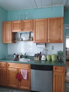 beacon st manor: Kitchen: Painting and tiling!