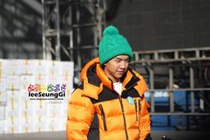 13.11.18 Running Man Filming Fanpics 9 – Lee Seung Gi | Everything Lee Seung Gi.. Next week ep, watch running man.