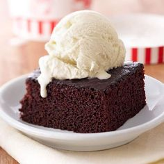 Looking for a quick dessert? This chocolate cake recipe only requires 5 minutes of prep time: http://www.bhg.com/recipes/desserts/cakes/chocolate-cakes/?socsrc=bhgpin011414quickchocolatecake&page=21