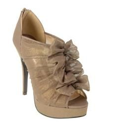 Resultados de la Búsqueda de imágenes de Google de http://zapatosmarca.net/files/2010/11/chinesse-laundry-zapato-fiesta-beig.jpg