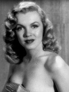 Marilyn Monroe photographed by J.R.Eyerman, 1949.