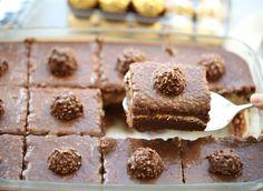 Romige Ferrero Rocher dessert (no bake) Chocolate Hazelnut Cake, Chocolate Heaven, Ferrero Rocher, Quick Easy Meals, Nutella, Breakfast Recipes, Food Porn, Food And Drink, Snacks