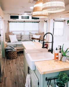 Small Rustic House, Modern Tiny House, Tiny House Living, Tiny House Plans, Tiny House On Wheels, Tiny House Design, Tiny House Hotel, Tiny House Company, Small Home Offices
