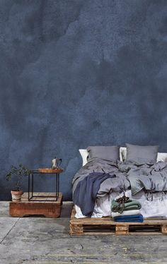 Blue Bedroom Wall - Color of the Year 2017 Denim Drift Blue - - Blue bedrooms Blue Wall Colors, Diy Wall Painting, Interior And Exterior, Interior Design, Interior Walls, Watercolor Wallpaper, Watercolor Walls, Blue Walls, Home Decor Bedroom