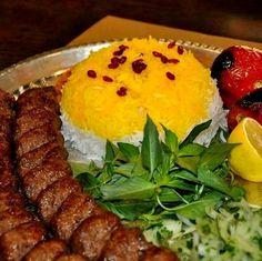 Traditional Food in Iran. Iranian Dishes, Iranian Cuisine, Persian Kabob Recipe, Queens Food, Iran Food, Egyptian Food, Food Decoration, Middle Eastern Recipes, Arabic Food