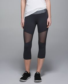 We run, hike, stretch, bend and bike –  let's face it, things can get pretty sweaty. We designed these crops with plenty of Mesh so that we can keep our cool when things heat up. Airflow on the go? Sign us up!