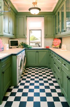 My Dream Laundry Room! Life would be good with these fun floors. #LGatBBC