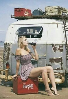 Volkswagen and a Coke Volkswagen Transporter, Volkswagen Bus, Sexy Cars, Hot Cars, Car Wrap Design, Sexy Autos, Bus Girl, Vw Vintage, Vans Girls