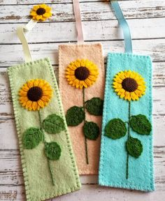 Felt bookmark – sunflower embroidery flower bookmark Sunflower is in my opinion the queen of flowers. They remind me of warm summer days. One large sunflower is enough to make a bouquet and t… Felt Crafts Diy, Fabric Crafts, Sewing Crafts, Felt Patterns, Embroidery Patterns, Flower Embroidery, Embroidered Flowers, Embroidery Stitches, Cat Lover Gifts