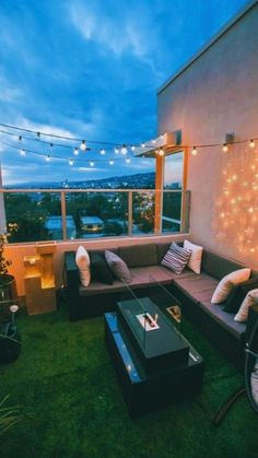 Rooftop Terrace Design, Terrace Decor, Small Balcony Decor, Balcony Design, Terrace Garden, Condo Balcony, Dream Home Design, Modern House Design, Interior Design Inspiration