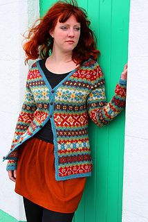 Ravelry Ravelry: Hedgerow pattern by Ann Kingstone - Hedgerow is one of 16 glorious designs in Stranded Knits, a superb technique manual and pattern collection that Ann created for Rowan Yarns. The book is available from Rowan stockists. Fair Isle Knitting Patterns, Fair Isle Pattern, Knitting Charts, Knitting Designs, Knit Patterns, Tejido Fair Isle, Rowan Yarn, Fair Isles, Cardigan Pattern