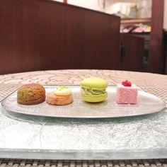 ..... 〈Desserts Le Comptoir〉@自由が丘 . 〜小菓子と紅茶〜 . #DessertLeComptoir #dessert #sweets #peach #デセールルコントワール #ルコントワール #デセール #デセールコース #デザート #スイーツ #ミニャルディーズ #自由が丘 #等々力 .....