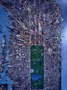 Post with 1348 votes and 75914 views. Tagged with photography, awesome, nyc, new york city, aerial photography; City Photography, Aerial Photography, Photographie New York, City From Above, Ville New York, New York City Photos, Birds Eye View, Aerial View, Belle Photo