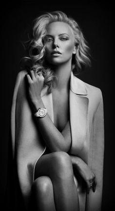 Шарлиз - самая красивая и стильная женщина